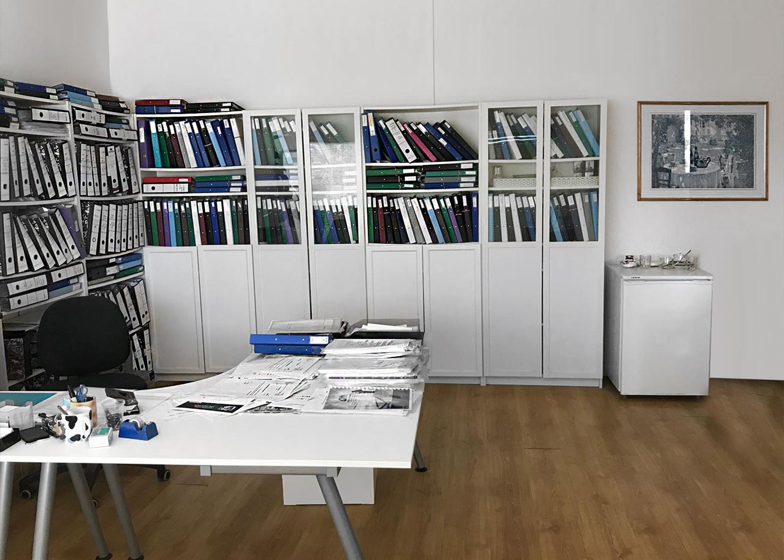 חלל המזכירות במשרד עורך דין עופר בן ארי